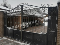 Распашные кованые ворота. фото №4