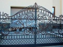 Распашные кованые ворота. фото №10