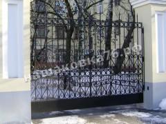Распашные кованые ворота. фото №13