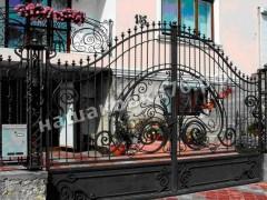 Распашные кованые ворота. фото №15