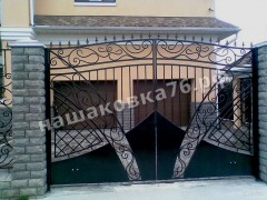 Распашные кованые ворота. фото №22