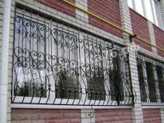 Кованые решетки на окно. фото №10