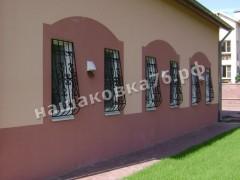 Кованая  решетка на окно. фото №11